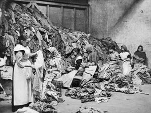 WOMEN AT WORK DURING THE FIRST WORLD WAR