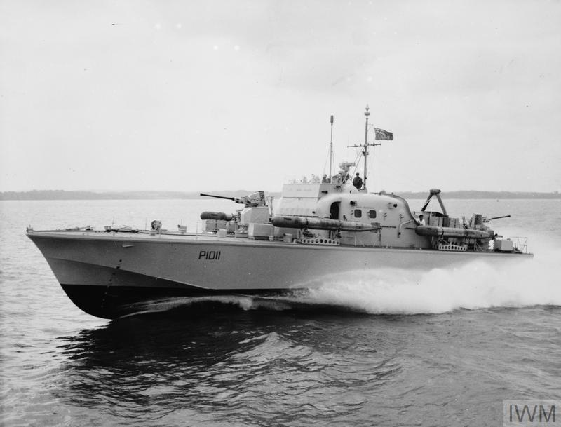 HMS BRAVE BORDERER, FIRST OF THE BRAVE CLASS FAST PATROL BOATS ACCEPTED FOR SERVICE BY THE ROYAL NAVY. JANUARY 1960, DURING TRIALS IN THE SOLENT. SHE WAS BUILT BY MESSRS VOSPERS LTD, AND HAS A TOP SPEED OF OVER 50 KNOTS.