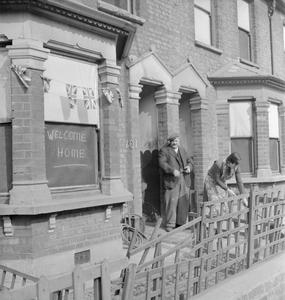 REHOUSING BRITAIN: THE GREAT CLEAR UP OPERATION, LONDON, ENGLAND, 1945