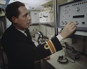 LIFE ABOARD BRITISH NUCLEAR SUBMARINES DURING THE COLD WAR