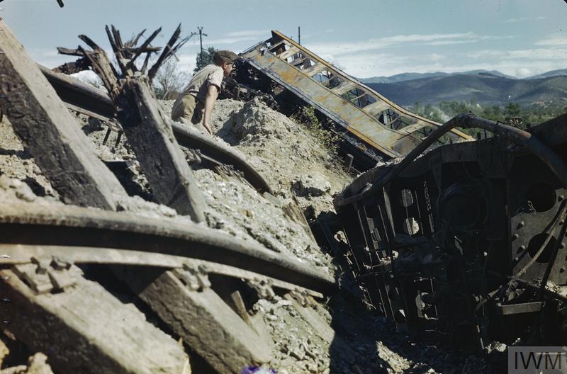 arezzo chiusi italy train - photo#16