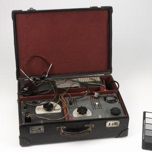 Wireless Equipment, Espionage suitcase radio: German