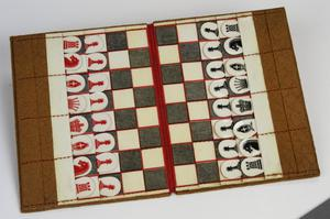 pocket game, pocket chess set