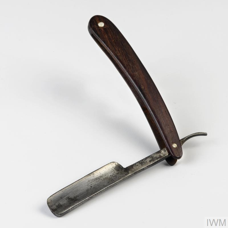 how to hold a cut throat razor