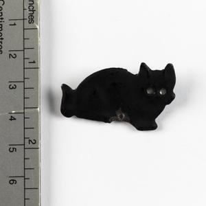 brooch, black cat