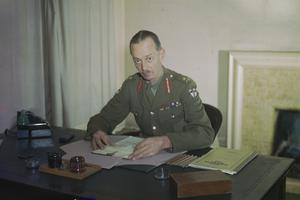 LIEUTENANT GENERAL M C DEMPSEY, CB, DSO, MC, COMMANDER IN CHIEF, BRITISH SECOND ARMY, APRIL 1944