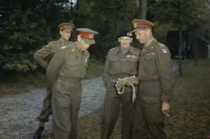 HM KING GEORGE VI WITH THE BRITISH LIBERATION ARMY IN HOLLAND, 13 OCTOBER 1944