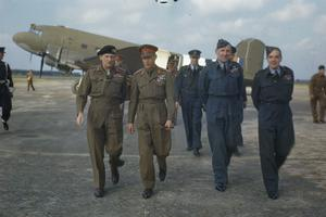 HM KING GEORGE VI WITH THE BRITISH LIBERATION ARMY IN HOLLAND, 12 OCTOBER 1944