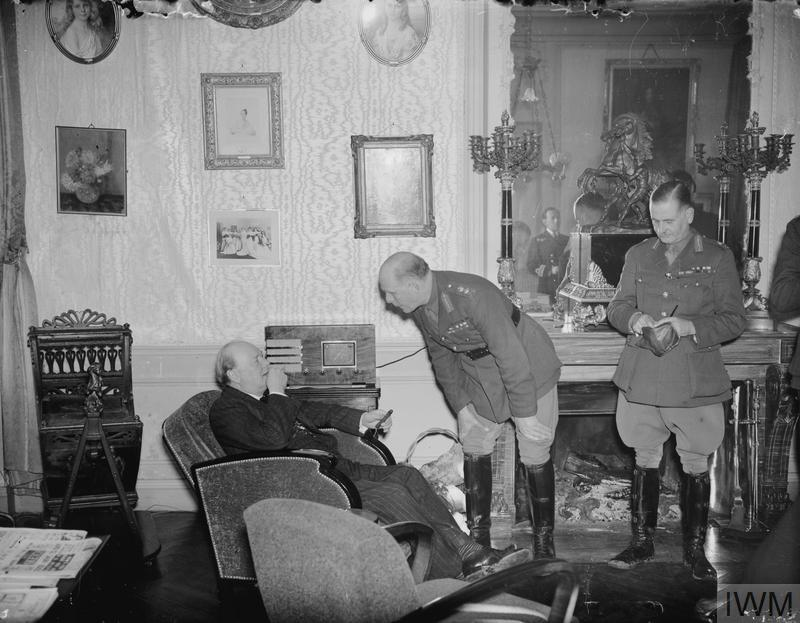 WINSTON CHURCHILL DURING THE SECOND WORLD WAR IN FRANCE