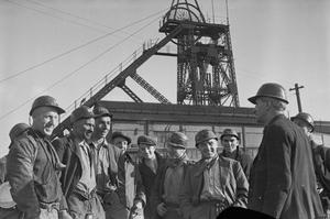 BEVIN BOYS: COAL MINING TRAINING AT OLLERTON, NOTTINGHAMSHIRE, ENGLAND, FEBRUARY 1945