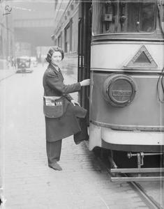 WOMEN TRANSPORT WORKERS IN WARTIME, C 1942