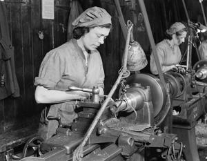 WOMEN'S WAR WORK: LIFE IN A SHELL FACTORY, ENGLAND, UK, 1942