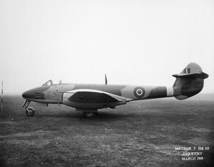AIRCRAFT OF THE ROYAL AIR FORCE 1939-1945:GLOSTER METEOR.