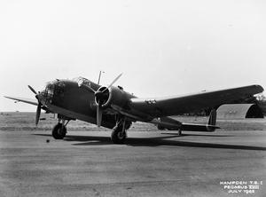 AIRCRAFT OF THE ROYAL AIR FORCE 1939-1945: HANDLEY PAGE HP.52 HAMPDEN AND HEREFORD.