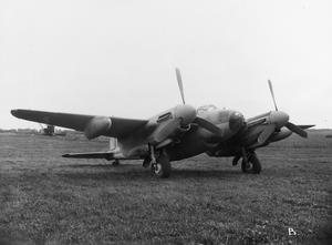 AIRCRAFT OF THE ROYAL AIR FORCE 1939-1945: DE HAVILLAND DH 98 MOSQUITO.