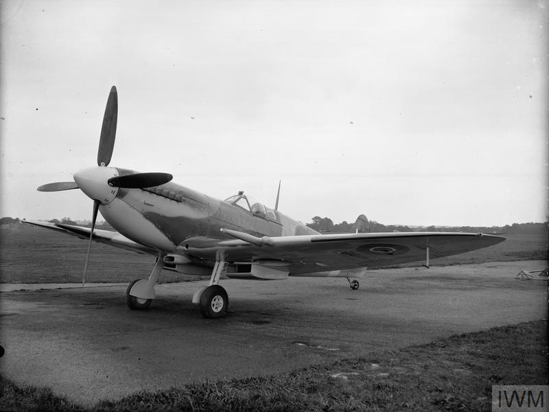 Spitfire IX du (Cpt) Schloesing J H 1943 Large