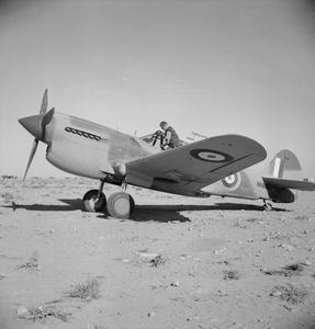 AMERICAN AIRCRAFT IN RAF SERVICE 1939-1945: CURTIS HAWK 87A KITTYHAWK.