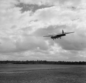 AIRCRAFT OF THE ROYAL AIR FORCE 1939-1945:AIRSPEED AS.51 HORSA.