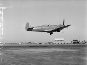 AIRCRAFT OF THE ROYAL AIR FORCE, 1939-1945: SUPERMARINE SPITFIRE.