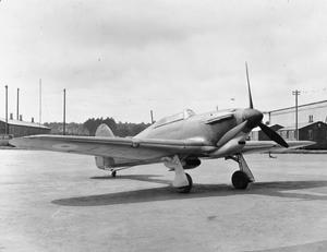 AIRCRAFT OF THE ROYAL AIR FORCE 1939-1945: HURRICANE MARK I (HAWKER)