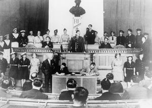 GENERAL CHARLES DE GAULLE, 1939-1945