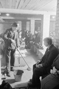 LONDON AIR RAID SHELTERS, 1940