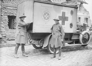 THE WOMEN'S EMERGENCY CORPS ON THE WESTERN FRONT, 1914-1918