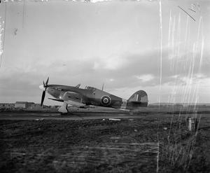 BRITISH AIRCRAFT OF THE ROYAL AIR FORCE, 1939-1945: HAWKER HURRICANE.