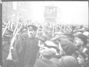 AU REVOIR ! AND GOOD LUCK : the Hallamshire Rifles leaving Sheffield, November 3rd 1914 [Main Title]