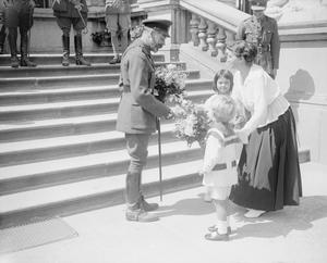 THE ROYAL VISITS TO THE WESTERN FRONT, 1914-1918