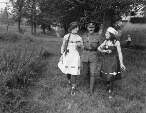 ENTERTAINMENT IN THE BRITISH ARMY ON THE WESTERN FRONT, 1914-1918