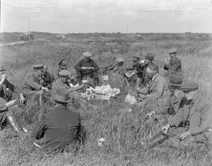 CORRESPONDENTS ON THE WESTERN FRONT, 1914-1918
