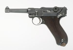 Pistole 08 [1st issue] (IWM) & Luger