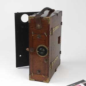 Moy & Bastie 35mm cine camera