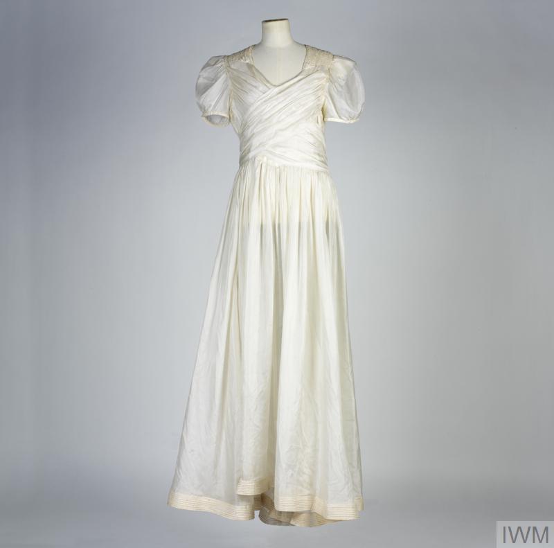 Wedding Dress made of white parachute silk (UNI 1052)