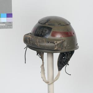 fibre helmet with earphone harness (AFV crews and despatch riders, Military Police)