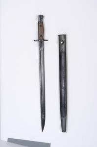 Australian Pattern 1907 bayonet, with scabbard