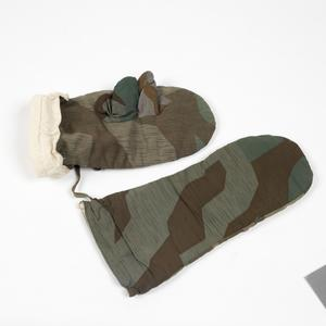 Mittens, German army reversible camouflage