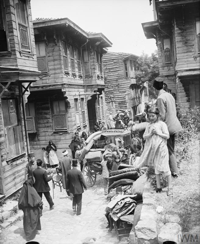 Brit katona fényképe a mindennapi Isztambulról - forrás: IWM