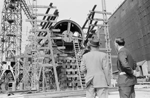 CONSTRUCTION OF HMS DREADNOUGHT. 1960?, BARROW-IN-FURNESS SHIPYARD OF VICKERS-ARMSTRONG LTD. ADMIRALTY PHOTOGRAPHS OF THE NAVY'S FIRST ATOMIC SUBMARINE DURING CONSTRUCTION.
