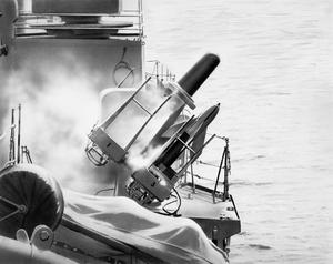 SEACAT TRIALS. FEBRUARY 1961, ON BOARD THE DESTROYER HMS DECOY, IN THE ENGLISH CHANNEL.