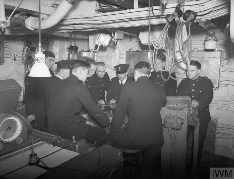 ROYAL MARINES ON BOARD THE BRITISH AIRCRAFT CARRIER HMS VICTORIOUS, 1942