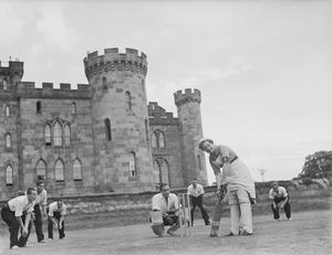 HM AUXILIARY HOSPITAL - CHOLMONDELEY CASTLE, JULY 1942