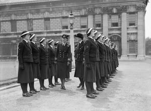 HRH THE DUCHESS OF KENT VISITS GREENWICH TO INSPECT WRENS, 1941.