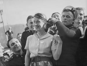 LEISURE AND ENTERTAINMENT DURING THE SECOND WORLD WAR