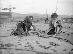 HIGH COMMISSIONER FOR SOUTH AFRICA VISITS SCOTTISH SHIPYARDS,  APRIL 1943