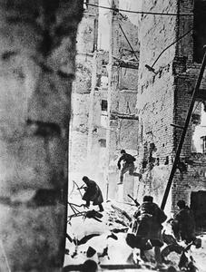 THE BATTLE OF STALINGRAD, AUGUST 1942-FEBRUARY 1943