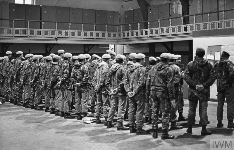 23 Special Air Service R Regiment July 1975 Hu 111237