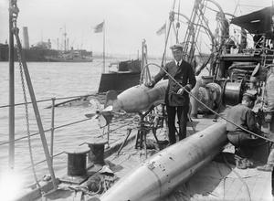 ROYAL NAVY 1914 - 1918: SUBMARINES