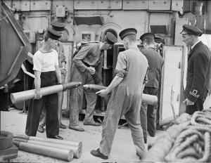 LIFE ON BOARD HM CORVETTE WIDGEON, AUGUST 1943, IN THE NORTH SEA AND AT HARWICH, MEN OF THE CORVETTE WIDGEON GO ABOUT THE EVERYDAY JOBS OF THEIR WARTIME ROUTINE.